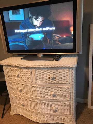 Your room is equipped with a large TV. It shows only local channels. Sorry, there is no cable in our house. Living room is equipped with  another TV that has internet access and Netflix.
