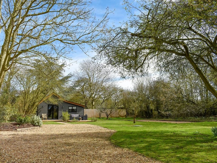 A delightful retreat in Cambridgeshire countryside