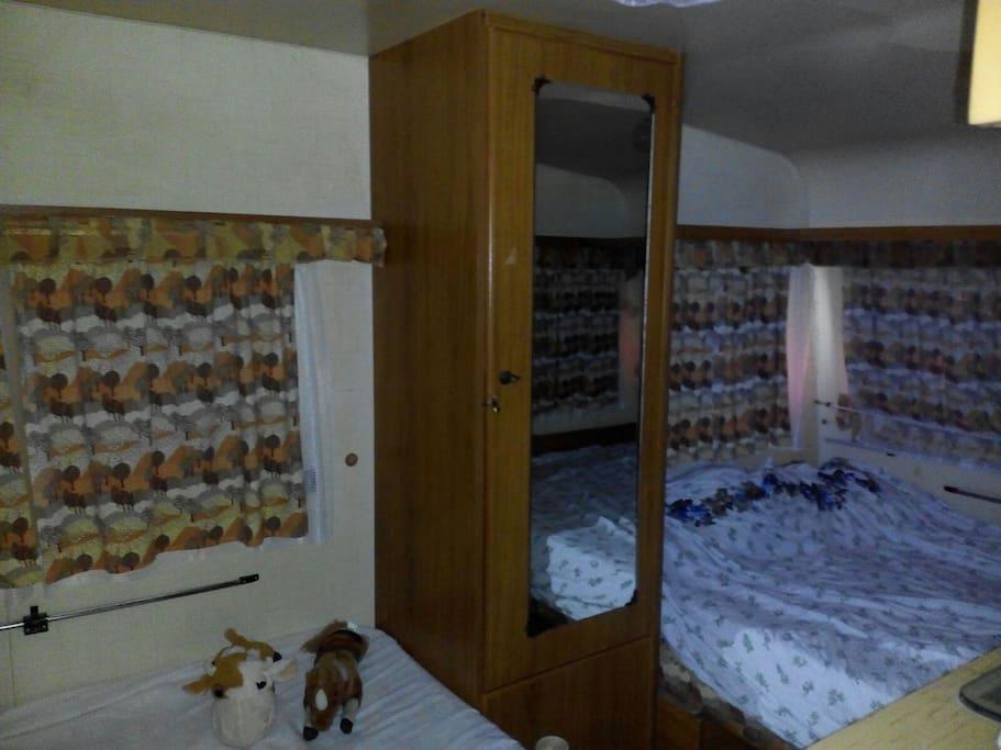 interno roulotte 1