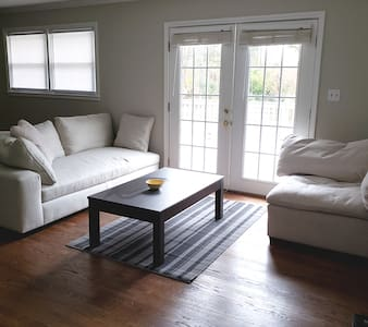 Only 10min drive from CLT Douglass int'l airport!!