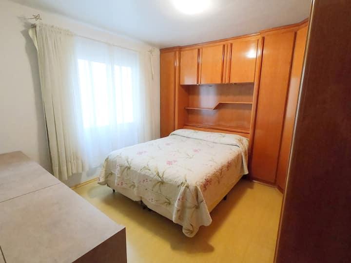 Cómoda habitación en el centro de Caxias