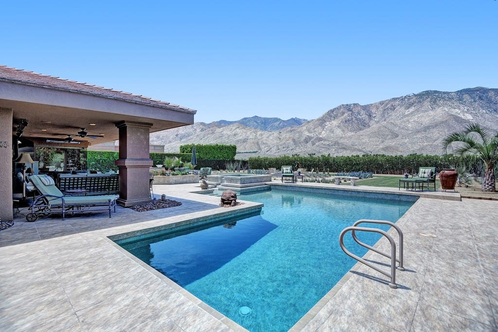 POOL AND SPA TO MOUNTAINS