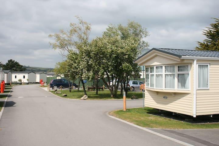 Classic 3 Bed Caravan, Pet Friendly South Cornwall