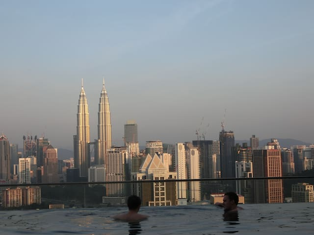 2★KLCC Infinity Pool★Internet 500MB/s★Washer