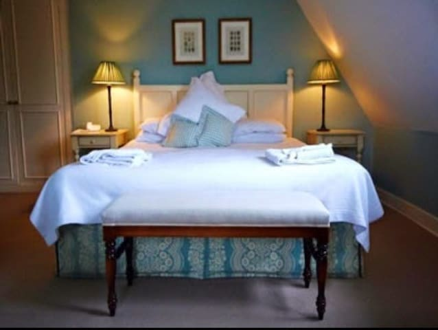 The Fox Inn, Ansty, Dorchester, Dorset - Dorset - Bed & Breakfast