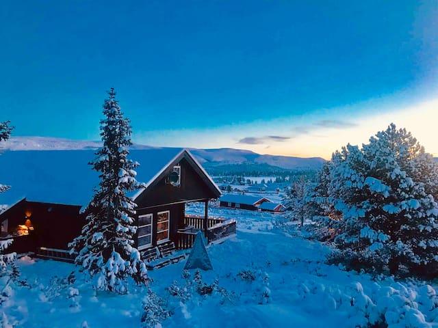 Ny hytte med særpreg ved Rondane nasjonalpark