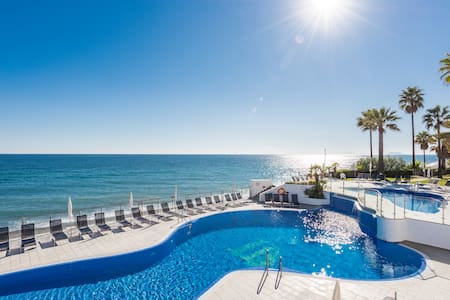 Exclusivo Apartamento en primera linea de playa - Estepona - Appartamento