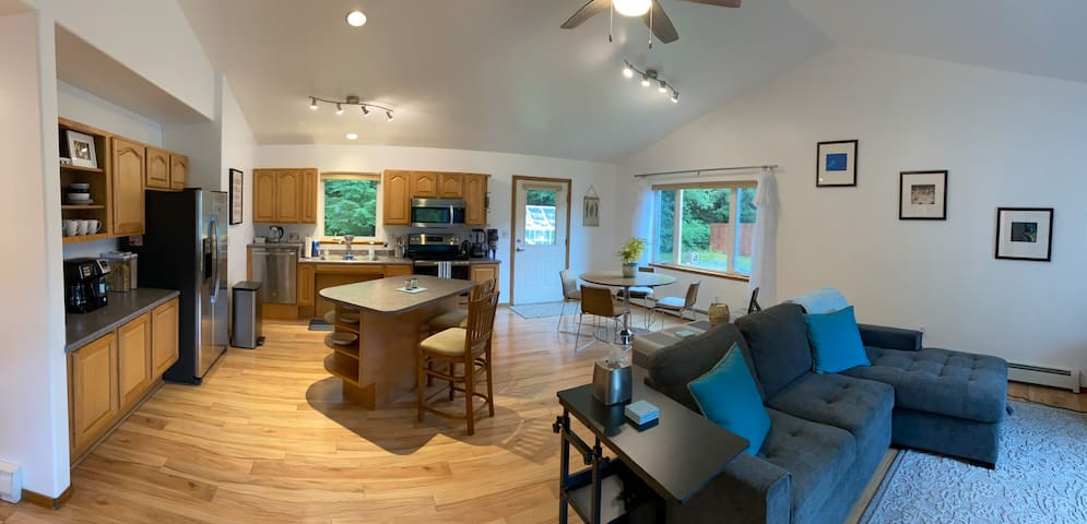 Wild Berry B and B is a relaxing 1,000 square foot open concept apartment. It has a coffee and tea bar as well as a Continental Breakfast Bar.