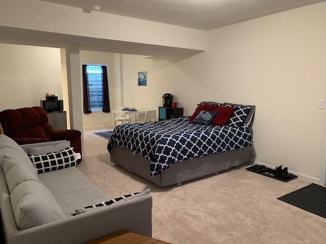 Blacksburg källarsvit med egen ingång