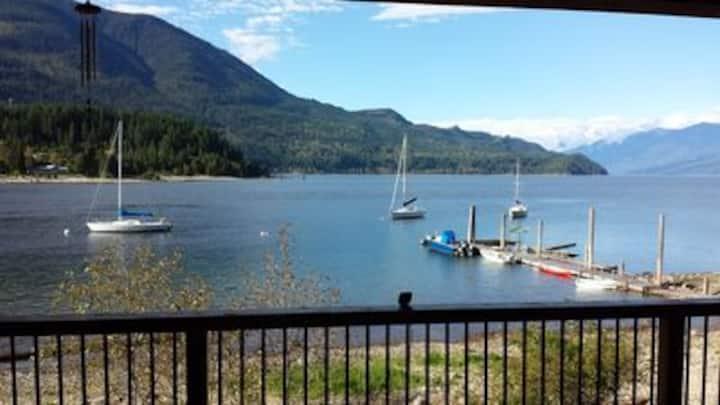 Waterfront Home on Beautiful Kootenay Lake