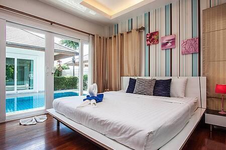 Pool villa 3 beds 140m from beach - Pattaya - Villa