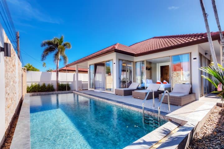Brand new stylish pool villa next from Blue tree.