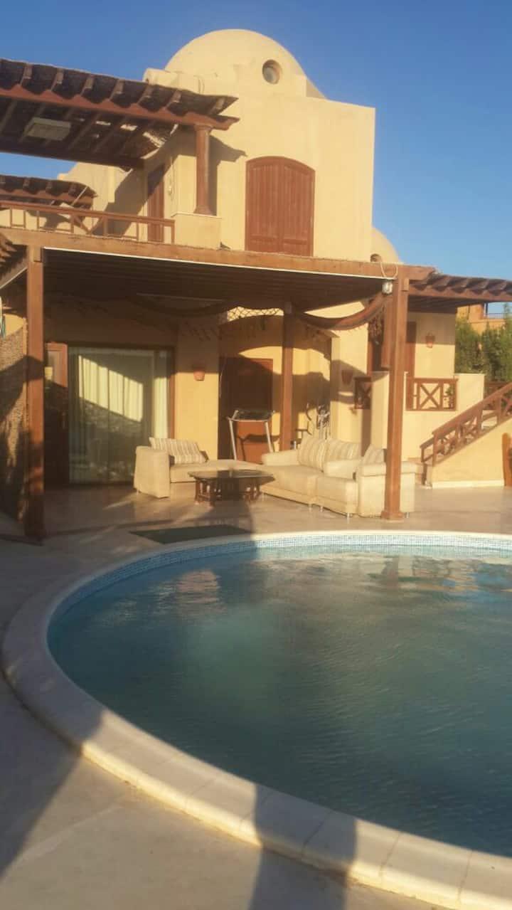 Lovely villa 3bedrooms in West Golf