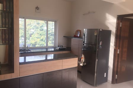 Centrally located apartment. Excellent lake view. - Hyderabad - Appartement