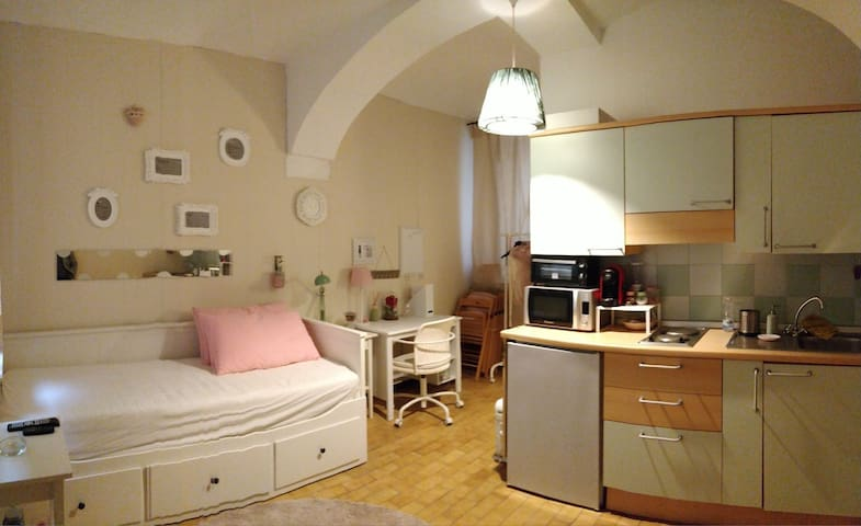 Monolocale in centro storico a Casale Monferrato