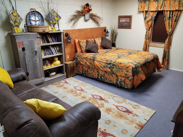 Duck Hunt Room Fun Theme Comfy Bed