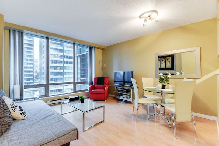 Modern & Beautiful 1BR / Best Location in the City
