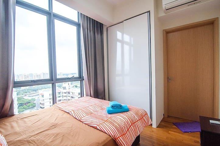 1 Bedroom Sky View Apartment ZsM