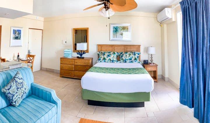 Beachfront Resort Newly Renovated Studio!
