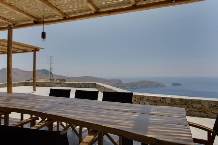 Deep Blue, awesome Aegean sea view villa, house 2 - Serifos