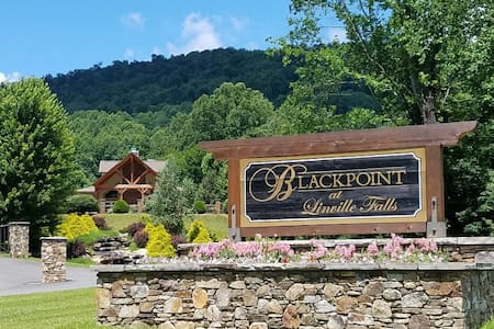 Beautiful Blackpoint at Linville Falls for 2020