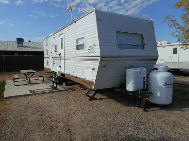 Fredonia RV set-up in the Country Rose RV park