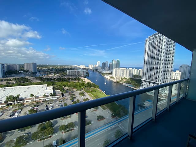 1bedroom/1 bath apt with kitchen/ 2210A