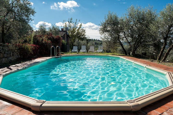 Pieve a Presciano- independent barn private pool