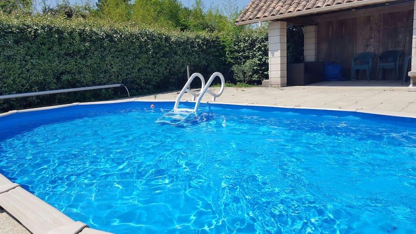 Grande Maison de 160m2 avec piscine privée .