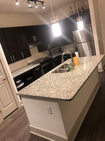 Midtown ATL Condo Quick Weekend Stay