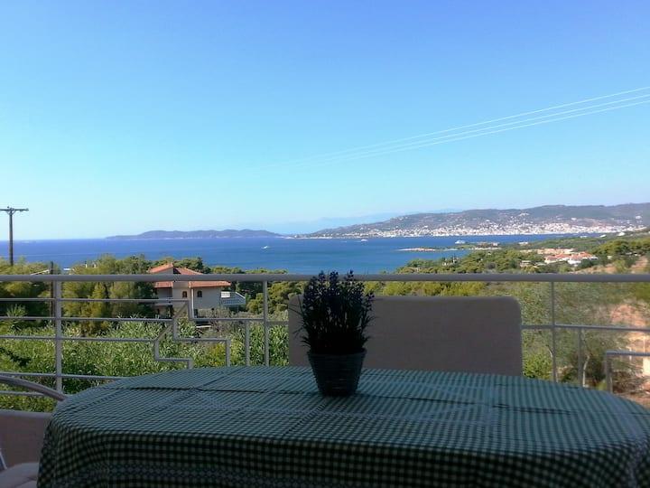 Cosy, Sea View Apartment