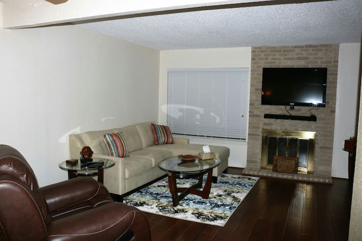 Newly remodeled 3 bedroom Condo