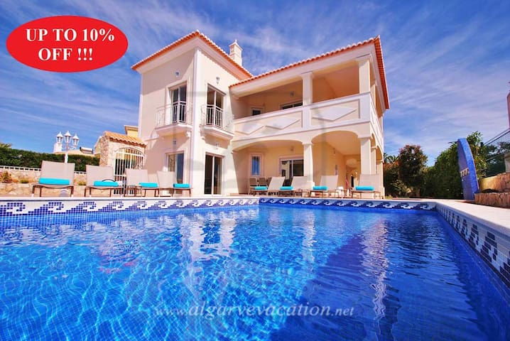 LUXURY 4 BED VILLA, HEATED POOL, AIR CON, WI-FI - Albufeira - Maison