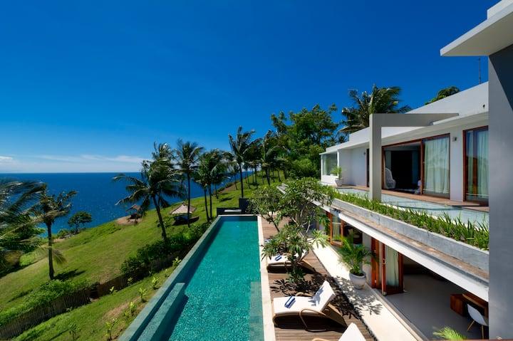 Clifftop Lombok Luxury Villa with Oceanview