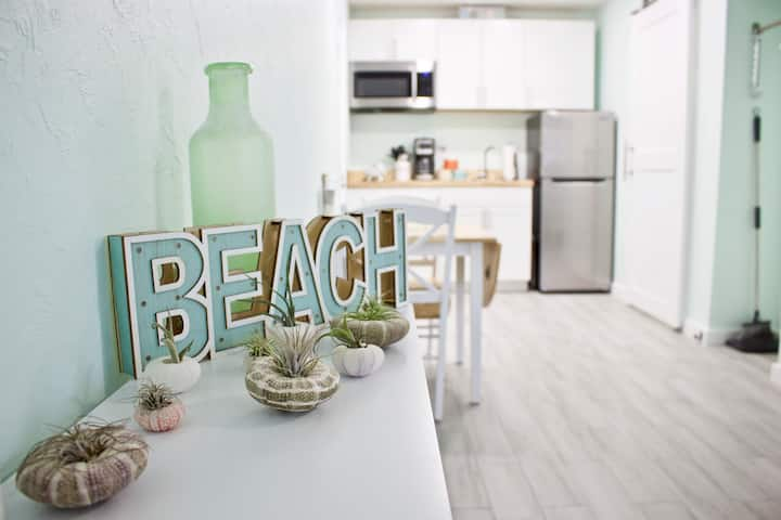 The Beach Getaway Studio in the heart of Sarasota!