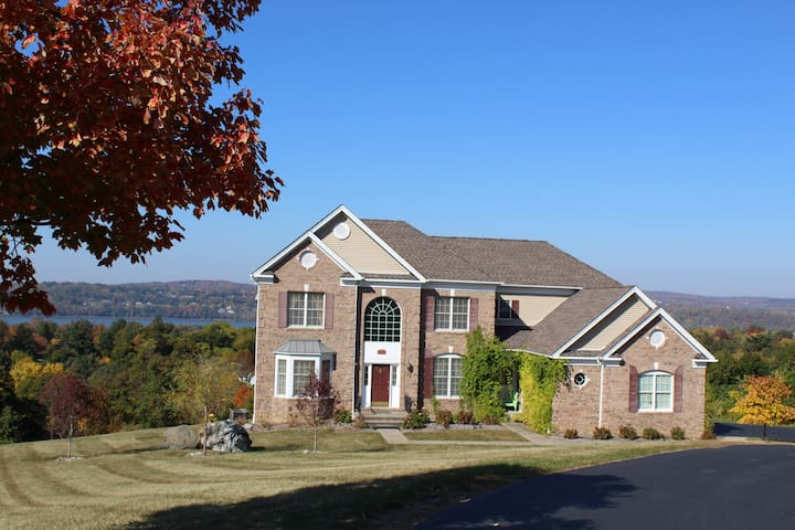 Hudson Valley Country Living With Amazing Views - Wappingers Falls - Casa