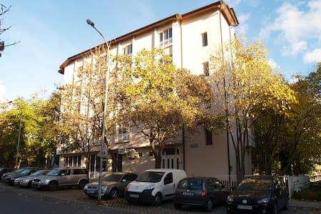 Hotel MIKADO *** - Burgas - Boutique-Hotel