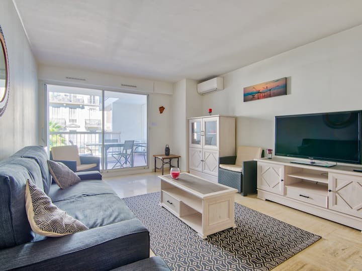 1br w/ AC and terrace in the heart of Toulon, near train station – Welkeys