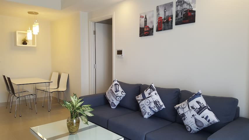 2BR FLAT 26TH FLOOR / RIVER VIEW - FREE POOL & GYM - Ho Chi Minh City - Daire