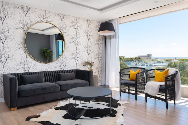 Designer apartment close to the V&A Waterfront
