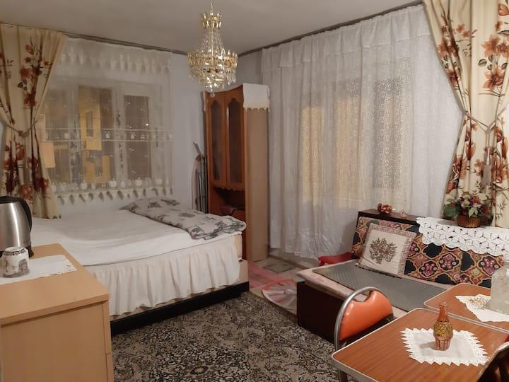EnjoyNostalgie of vintage furniture&textiles of80s