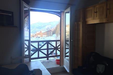 La foux d'allos Studio Cabine au pied des pistes - Allos - Apartment