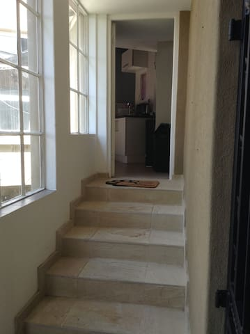 Studio/flat in Melville, JHB - Йоханнесбург - Квартира