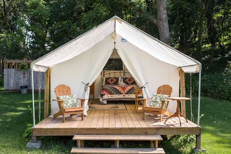 Lazy Oaks Glamping for 2