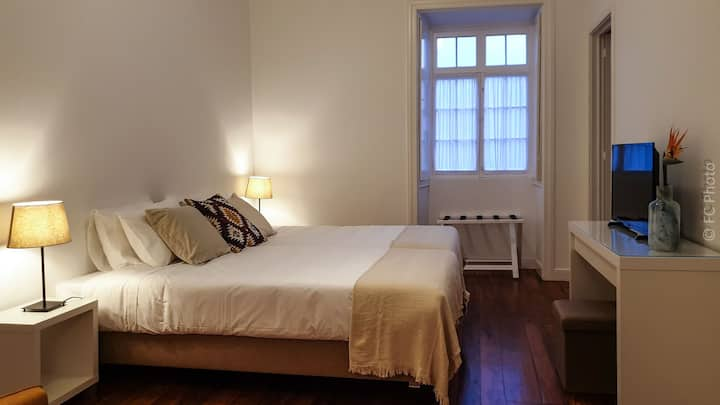 """""""Ao Mercado - CC Guest House 6"""" - Private Bathroom"""