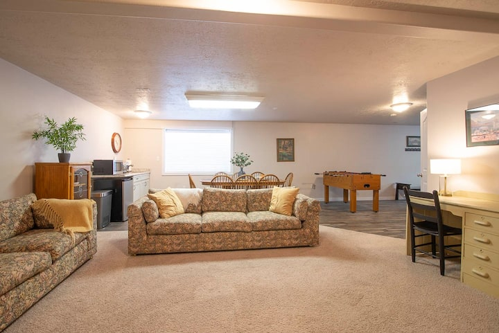 Spacious 3 BR comfortable for up to 10 beautiful
