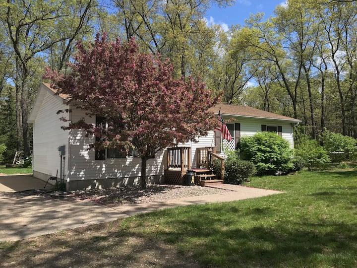 Shady Oaks Cottage New Listing! Hunt/Fish!