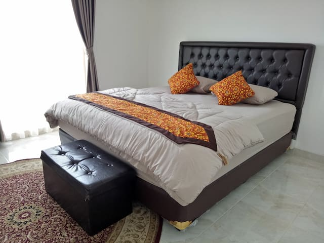 T- Rooms Homestay