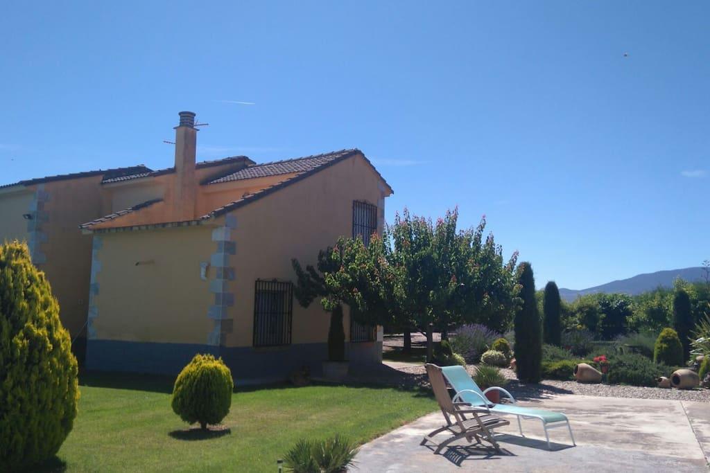 Casa con piscina y jard n 8min coche de logro o casas en alquiler en alberite la rioja espa a - Alquiler casa logrono ...