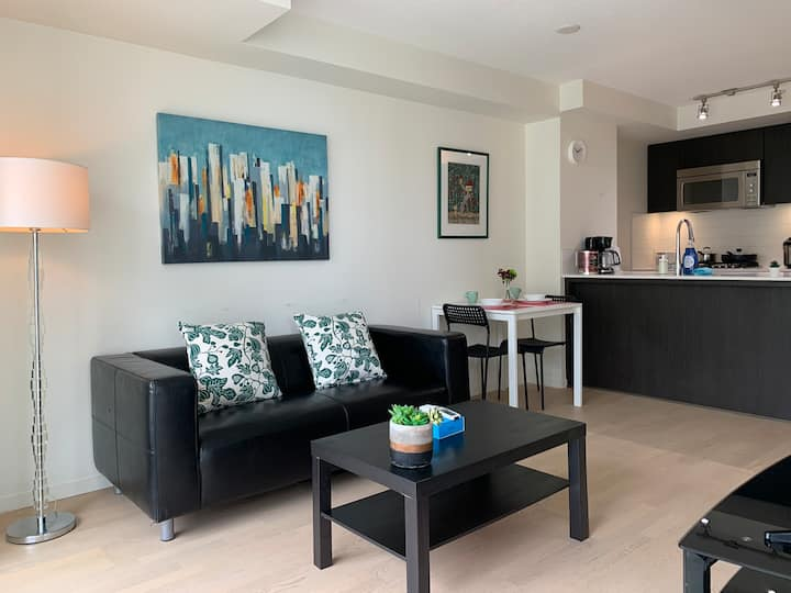 Richmond Downtown New 1 Bed condo